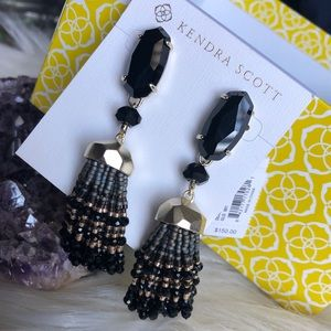Kendra Scott Dove earrings